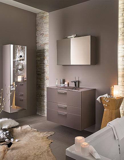 Meuble salle de bain rose maison design for Colonne de salle de bain rose